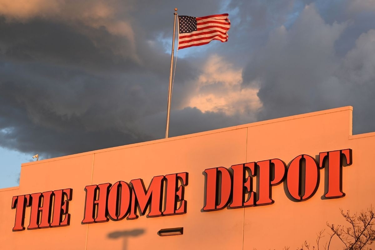 Anti-Trump Protesters Are Calling To #boycotthomedepot - Vox  Depo 2020
