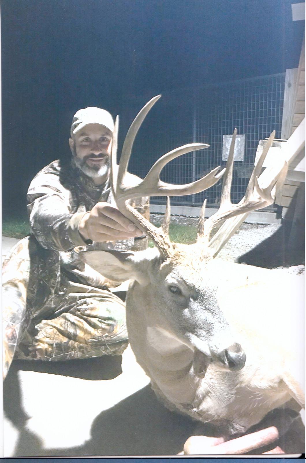2019-20 Trophy Gallery - Northeast Missouri Hunting Company  2021 Deer Season Rut Report Northern Missouri
